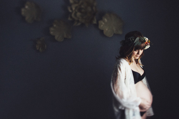 Moody boudoir maternity photos