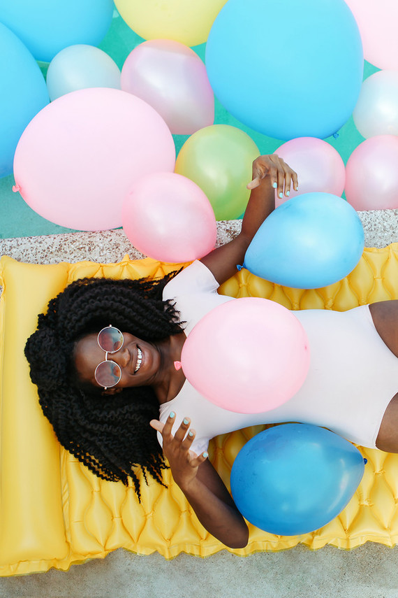Bright fun maternity photos
