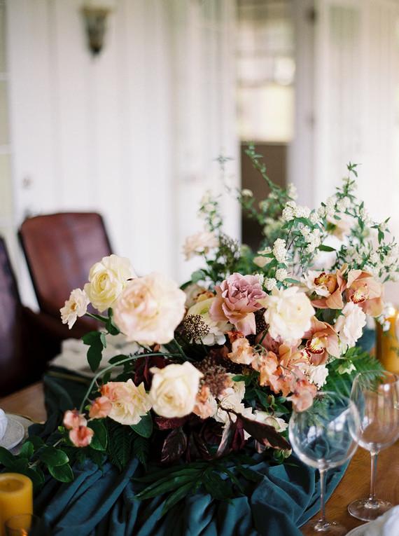 Elegant wedding flowers