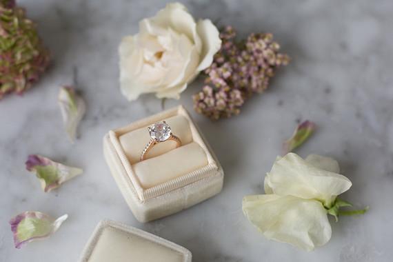 Romantic wedding ring