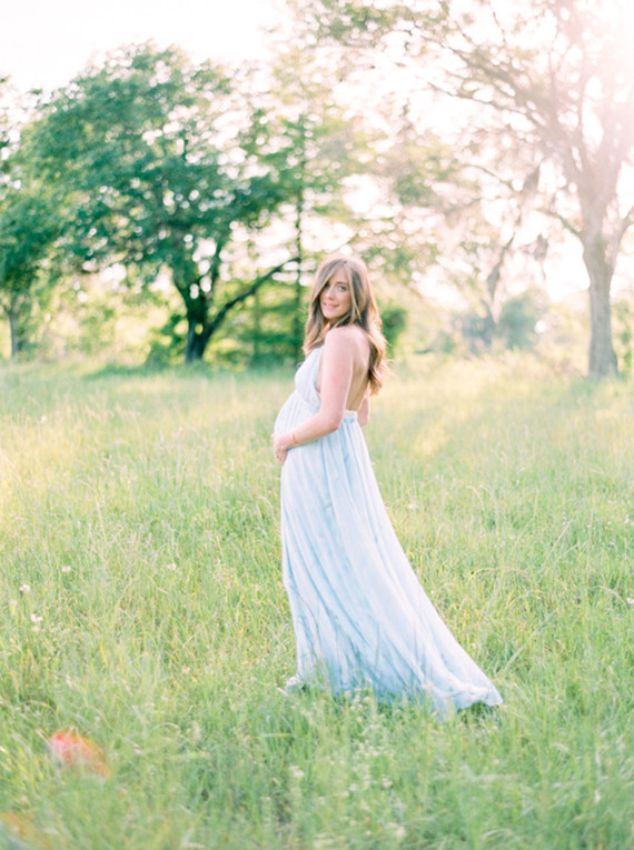 Mossy Oaks romantic maternity photos