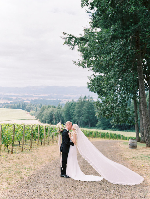 Oregon Wine Country Wedding: Lauren + Grant