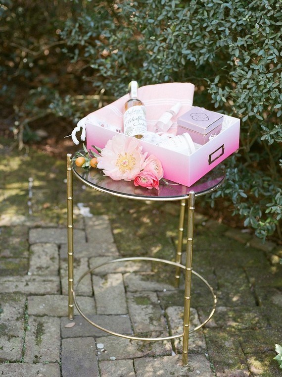 Bridal shower gift box
