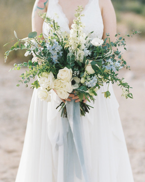 Dusty blue wedding palette colors blue wedding bouquet decor and ideas dusty blue bouquet ideas inspiration trends junglespirit