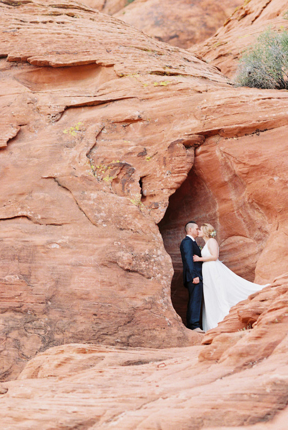 Desert elopement inspiration in Las Vegas