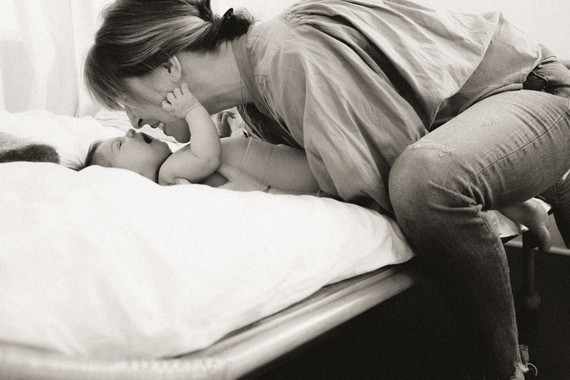 Lifestyle family newborn photos