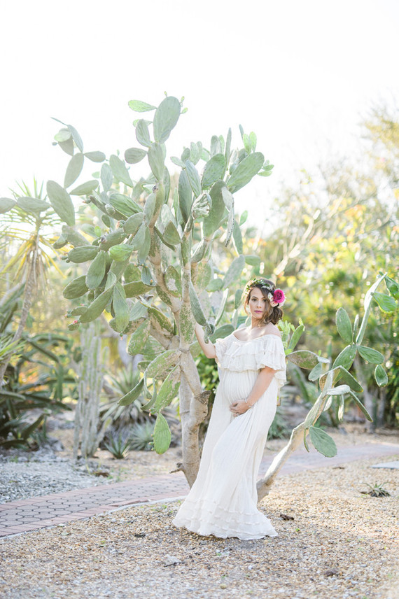 1d659ae8ec9c0 Modern Mexican inspired maternity photos | Maternity shoot | 100 ...