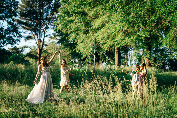 Tips for hosting a Summer Solstice bridal brunc