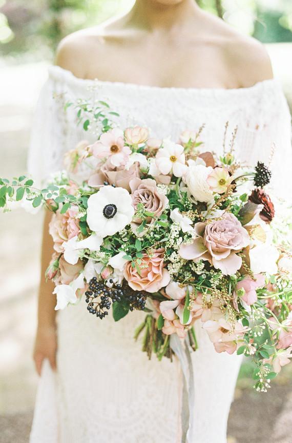 light purple bridal bouquet