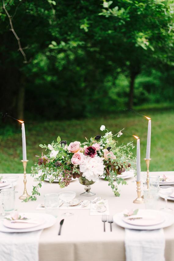 outdoor wedding tablescape