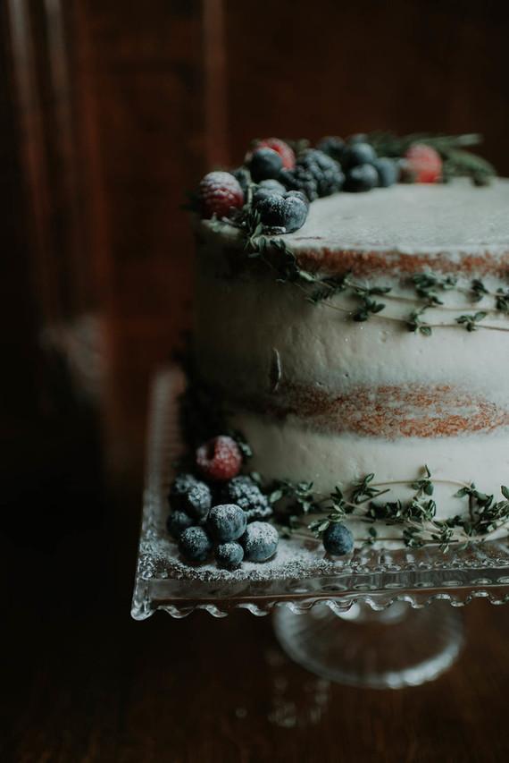 dark semi-naked cake ideas