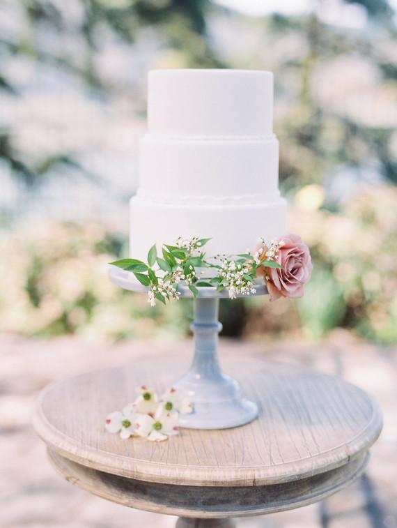 Simple spring wedding cake