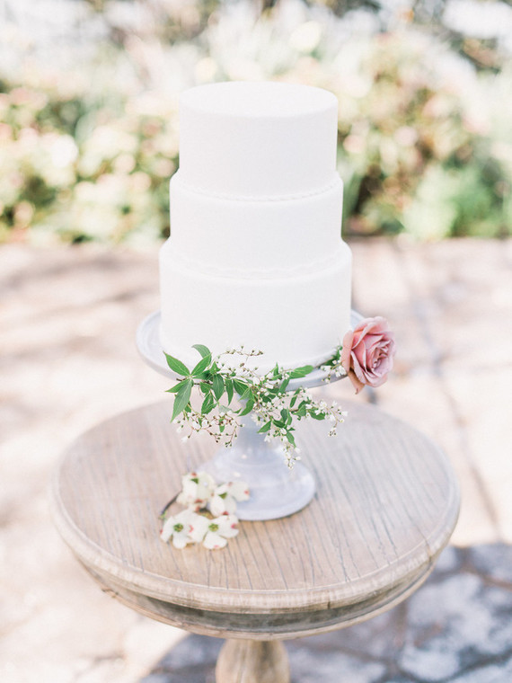 Simple spring wedding cake
