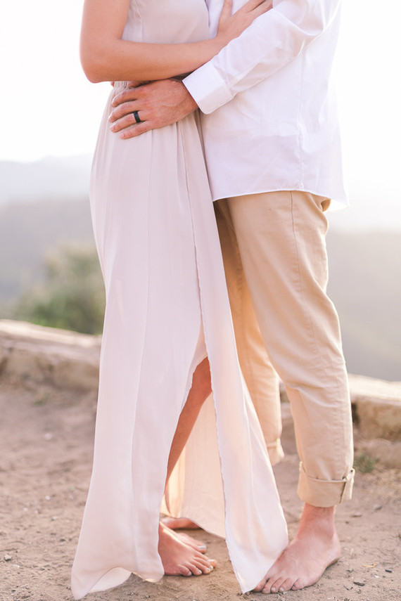 minimal earthy elopement at Knapp's Castle