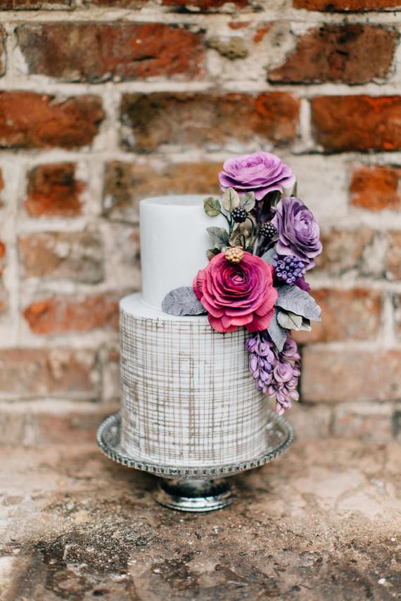 sweet floral wedding cake