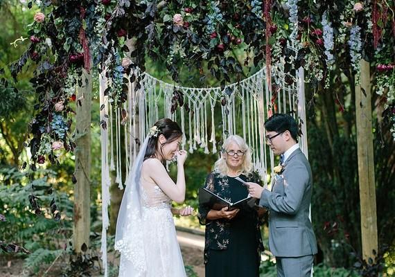 romantic fall wintery wedding in Washington state