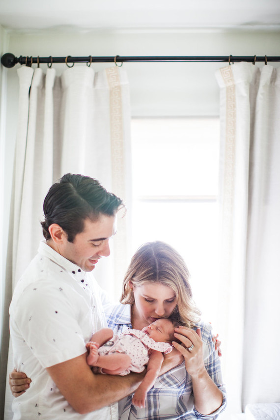 lifestyle newborn photos in Los Angeles