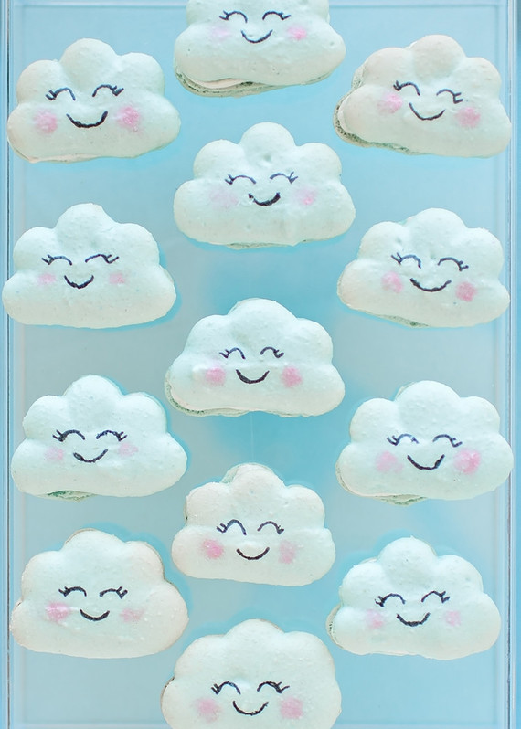 Happy cloud cookies