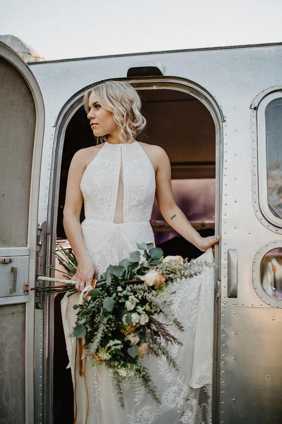 Vintage fall same-sex wedding inspiration