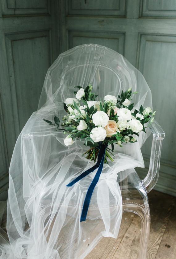 Elegant winter garden bouquet
