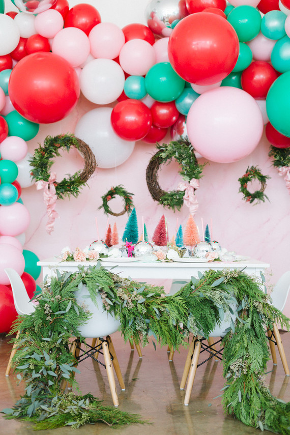 bright festive kids christmas party on 100 layer cakelet - Childrens Christmas Party Decoration Ideas