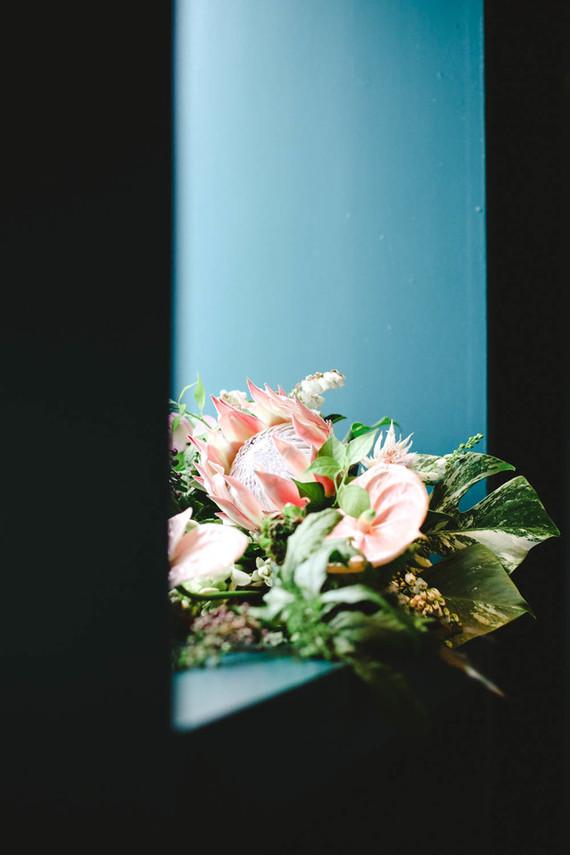 modern tropical bridal bouquet