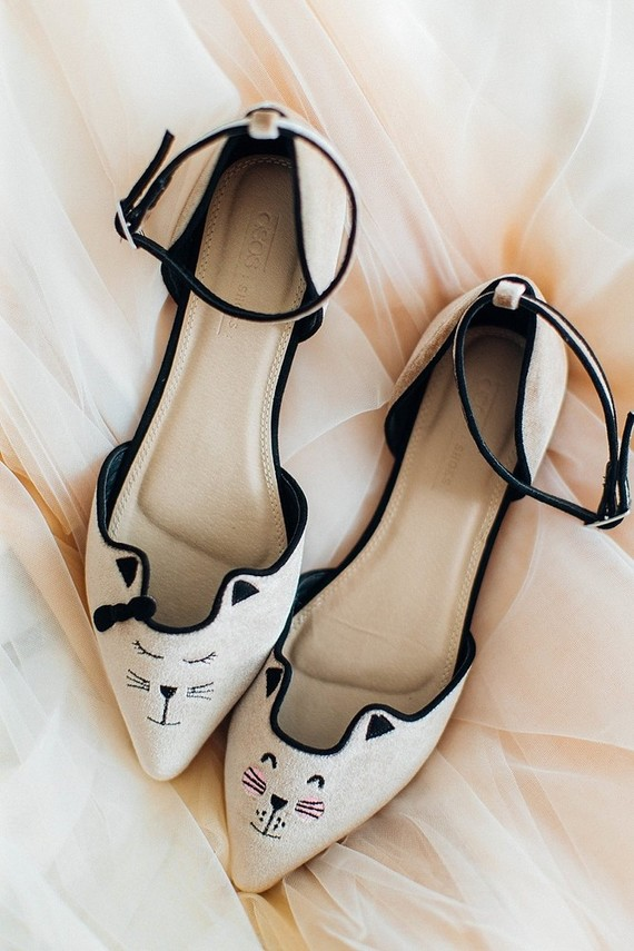 Kitty cat wedding shoes