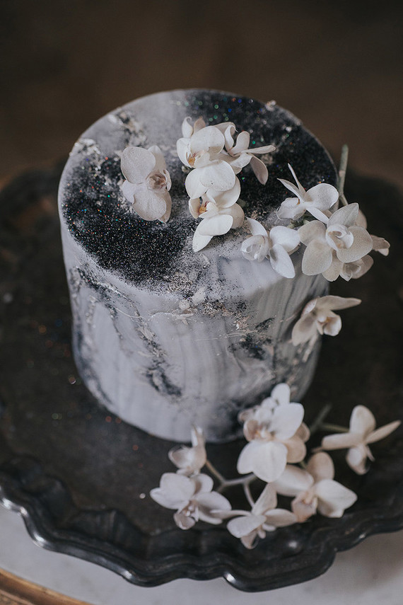 Moody celestial wedding cake