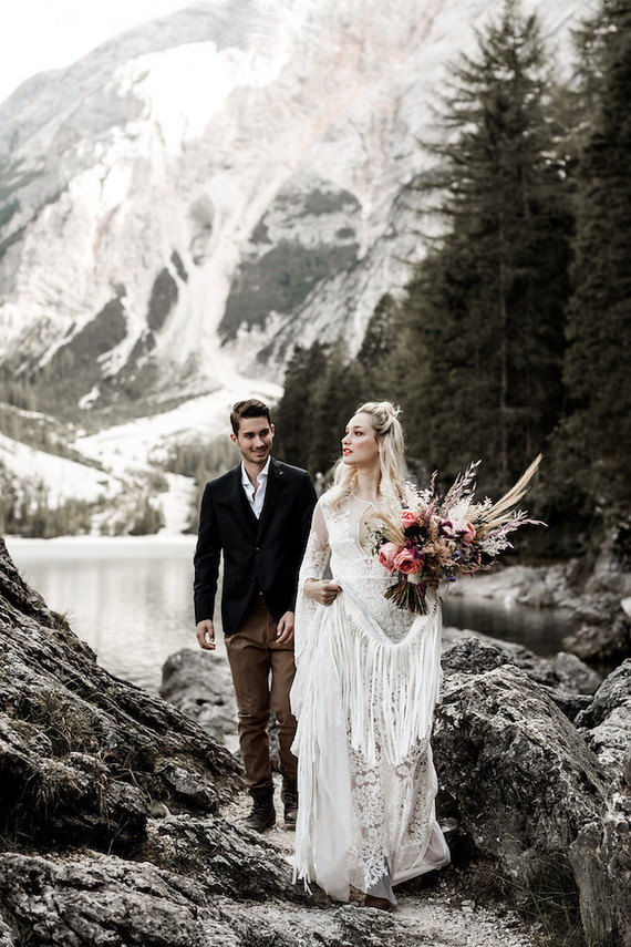 Bohemian summer mountain elopement ideas in the Dolomites of Italy