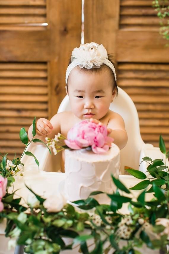 Floral feminine Korean first birthday party in Los Angeles
