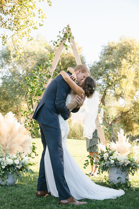 Rustic modern wedding at greengate ranch in san luis obispo 100 rustic modern barn wedding at greengate ranch in slo junglespirit Images