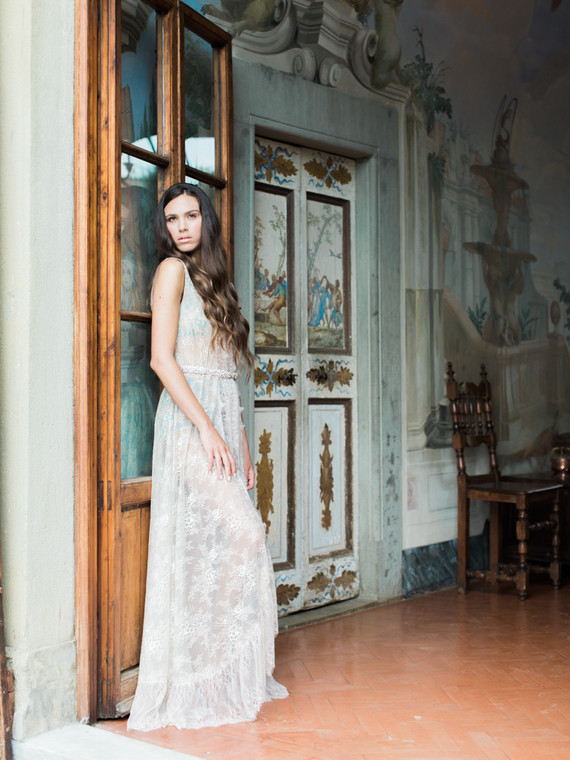 Romantic Tuscan boudoir session