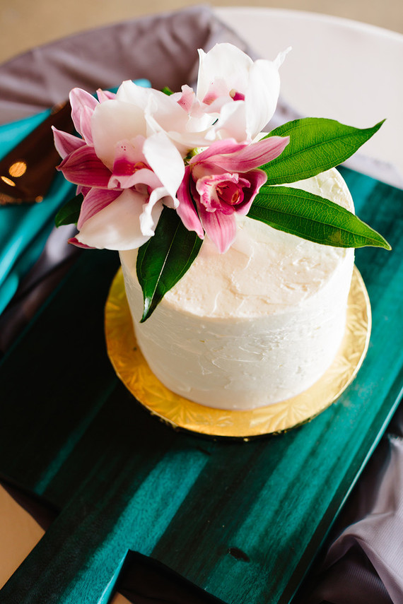 Colorful Wedding At The Cheney Place Emerald Wedding 100 Layer Cake