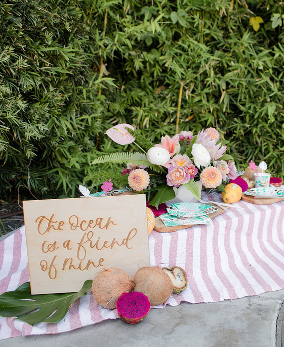 Modern Moana pool party from Beijos Events