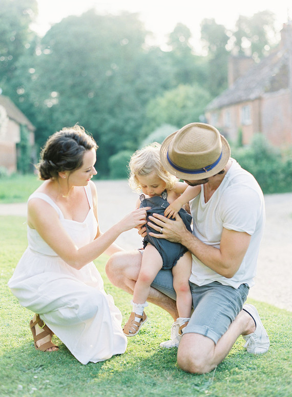 Family photos in the English Countryside by Jen Huang