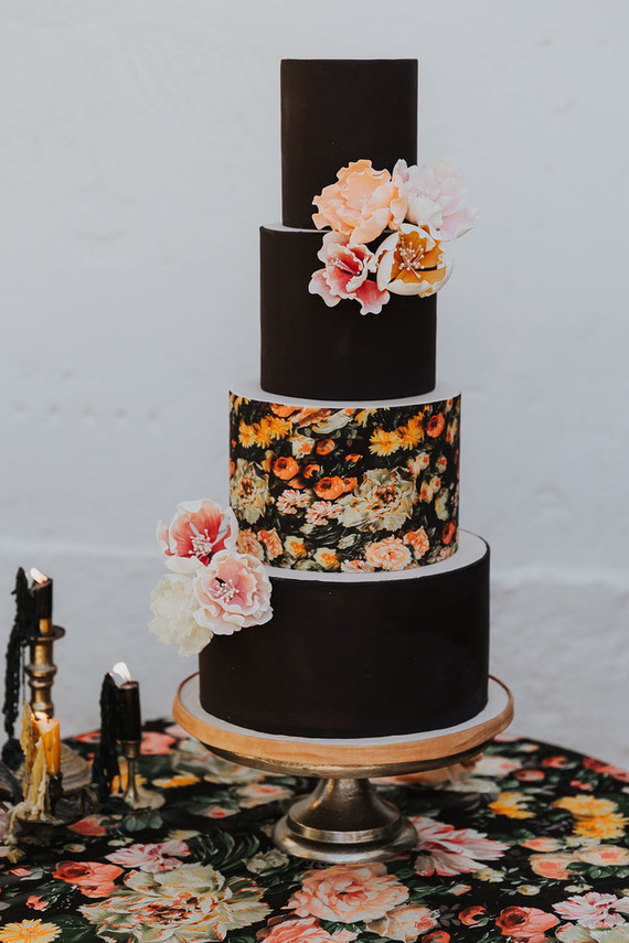 A stylish fall Italian wedding with an insanely gorgeous cake