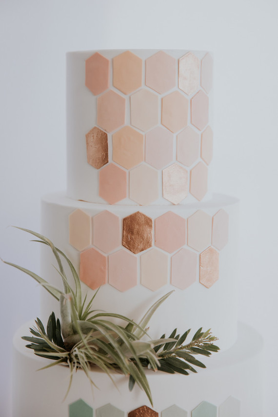 blush and rose gold wedding cake