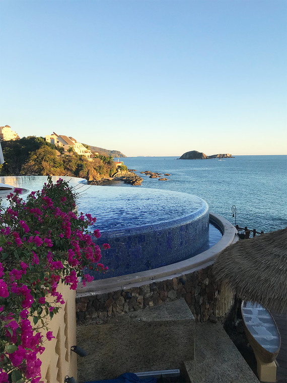 Girl's trip to Cala De Mar in Ixtapa, Mexico