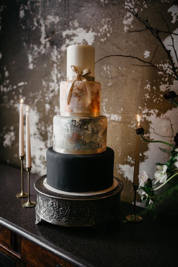 gorgeous wintery 4-tier wedding cake