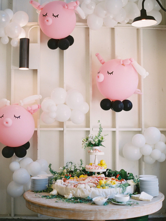 flying pig balloon installations