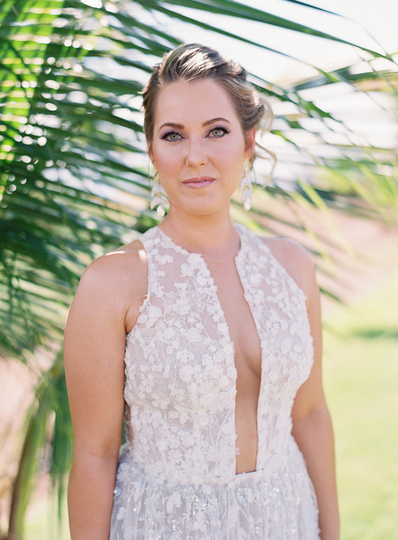 Romantic Hawaii wedding with an insanely cool dress, inspired by a Maui sunset