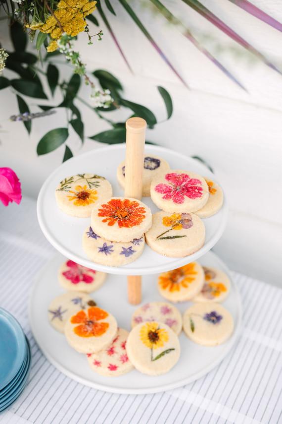 Lori Stern floral cookies