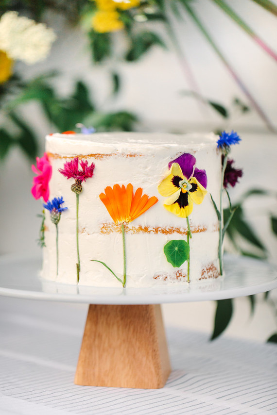 Edible floral cake
