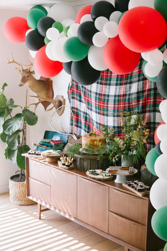 Camp-themed balloon installation