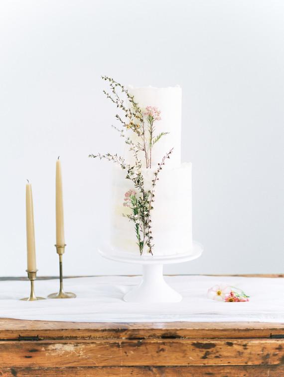 Organic natural wedding cake