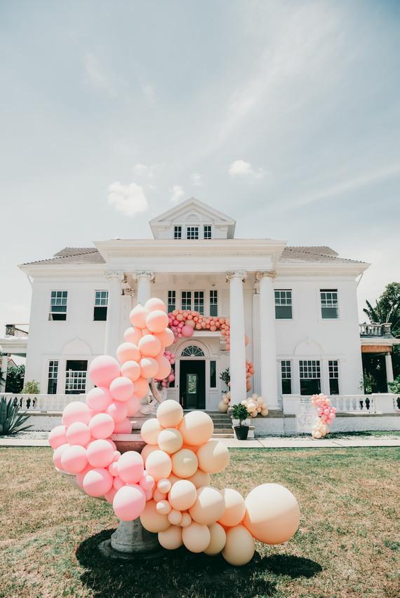Balloon installation for kids birthday