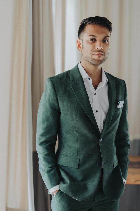 Tropical groom's fashion