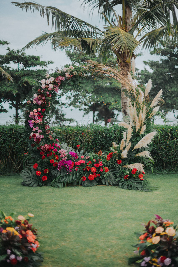 This stylish Bali destination wedding has the dreamiest tropical reception