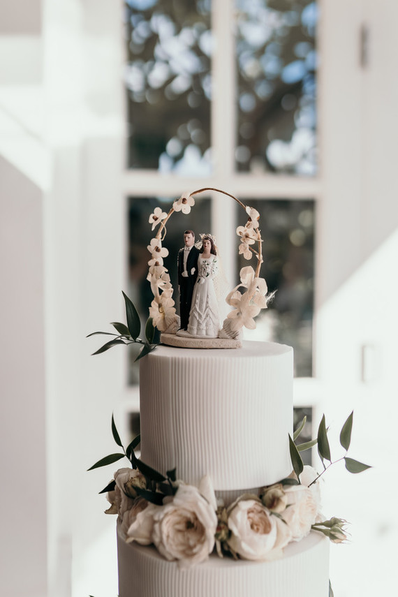 Vintage coastal wedding cake
