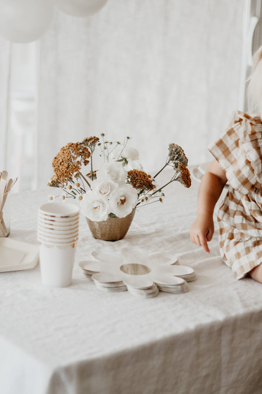 Quincy Mae's daisy inspired 2nd birthday from Kelli Murray